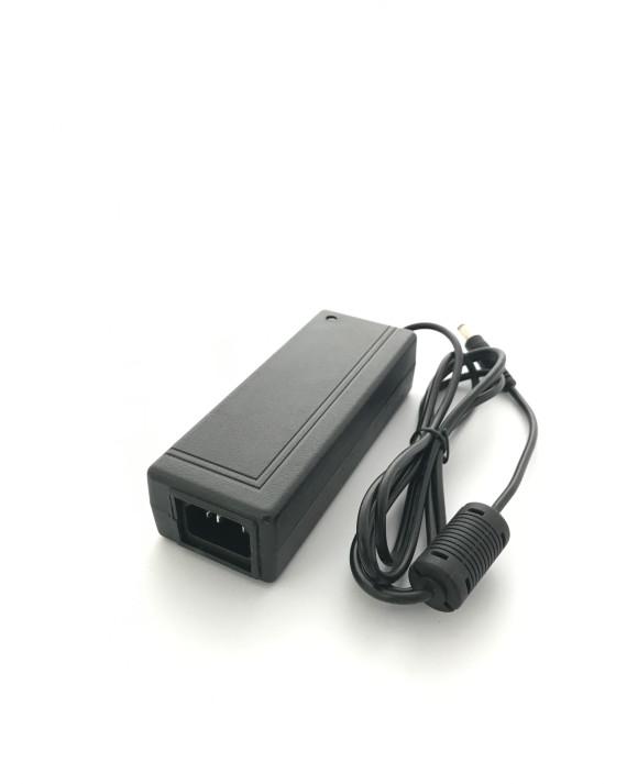 TP8000 AC 100-240V 4.2A